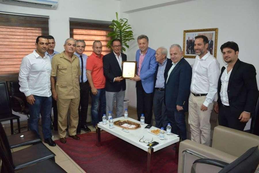 C te d ivoire le maire de zrarieh liban re u la ccilci for Chambre de commerce libanaise